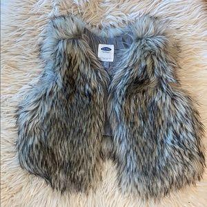 EUC Toddler Old Navy Faux Fur Vest size 3T.